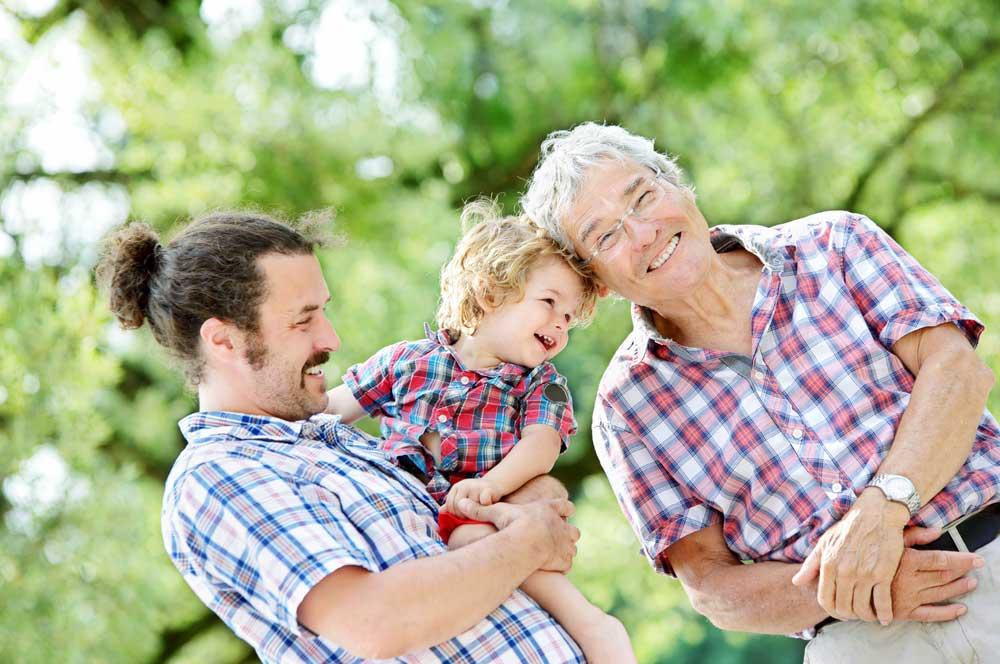 Grand-père, fils et petit-fils