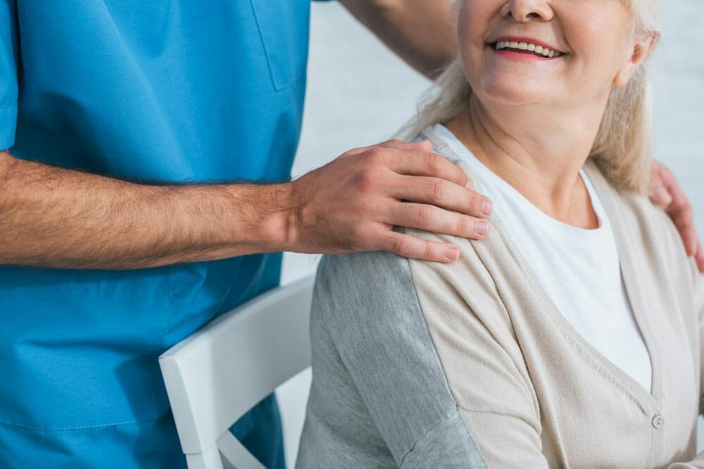 Les aides sociales aux personnes âgées