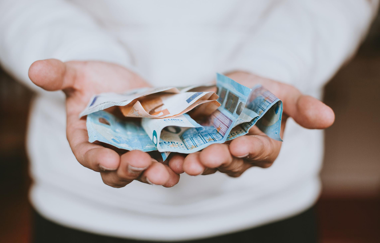 Rembourser les aides sociales